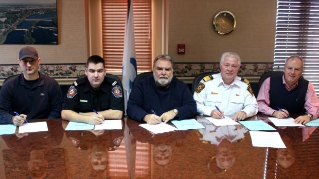 La Ville de Richelieu et ses pompiers signent une nouvelle entente de travail