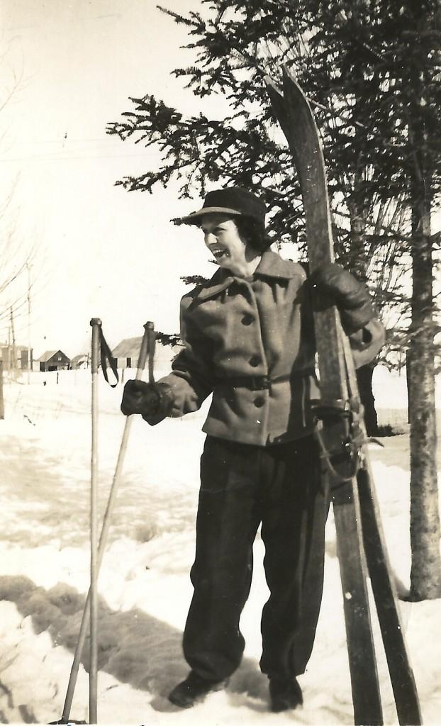 16.3-Desneiges Demers 1945, skis fabriqués par gérard Loiselle - copie